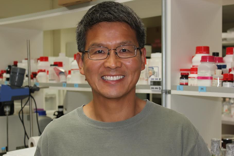 Zhiyong Wang in the lab at ADS Biosystems.