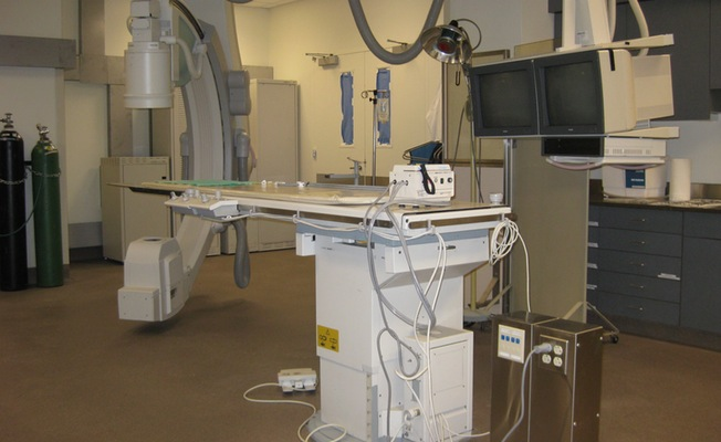 Complete animal catheterization laboratory and fluoroscopy suite